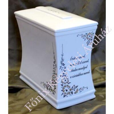 Iker fehér urna idézettel
