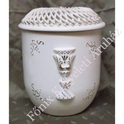 Vanda fonott urna kehely motívummal