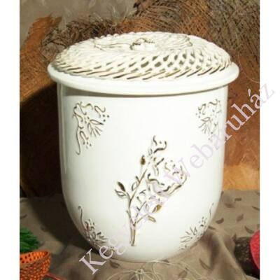 Vanda fonott rózsás urna